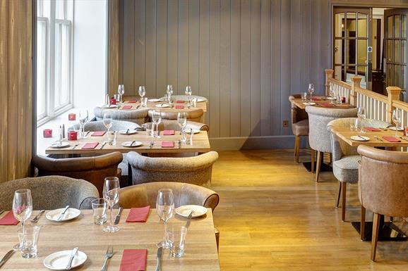 Eat Drink Hebrides - The Boatshed Restaurant at the Royal Hotel
